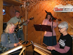 Singers at Lake Inn
