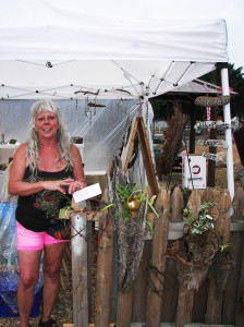 Wonderful, talented painter, wood crafter Pam Cannata was one of our steady artisans who participated each Saturday.