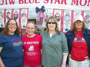 Blue Star Moms at Pine Cone Festival