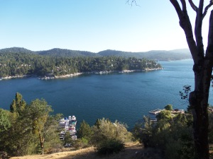 Beautiful Lake Arrowhead. Come and enjoy the last of the AAA Concerts at Tavern Bay.