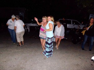 Havin' a great time? You bet! The annual Mountain Top Days party always draws a lot of people who enjoy the evening air, the great band, the food and the fun! Another R.S. Area Chamber of Commerce HIT!